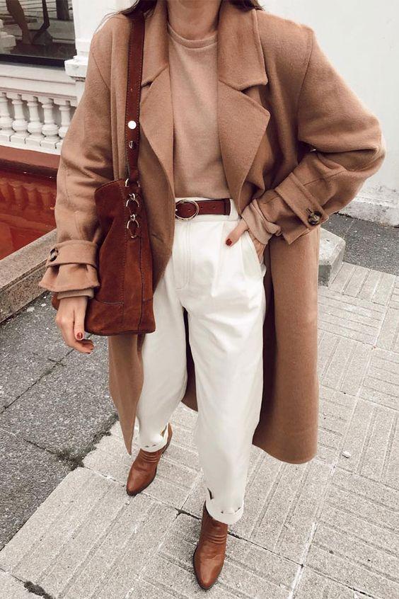 cores de inverno, maxi casaco de camelo, e t-shirt