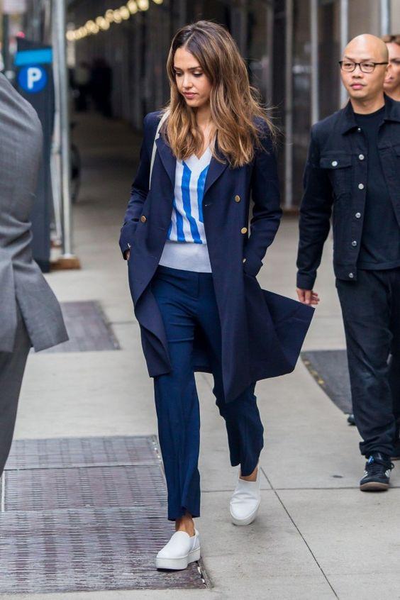 cores de inverno, casaco azul marinho