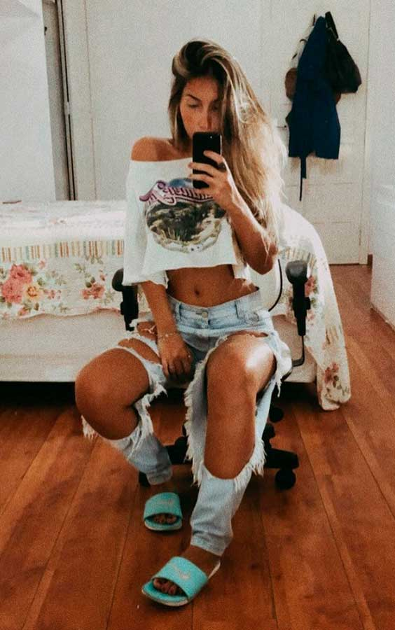 Maria Vasques, cropped, calça jeans destroyed