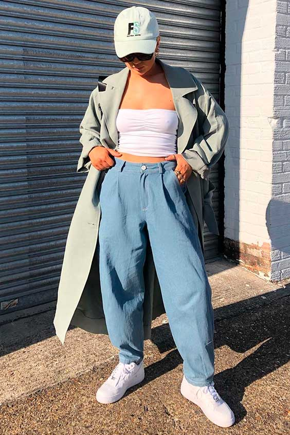 top faixa e calça slouchy jeans
