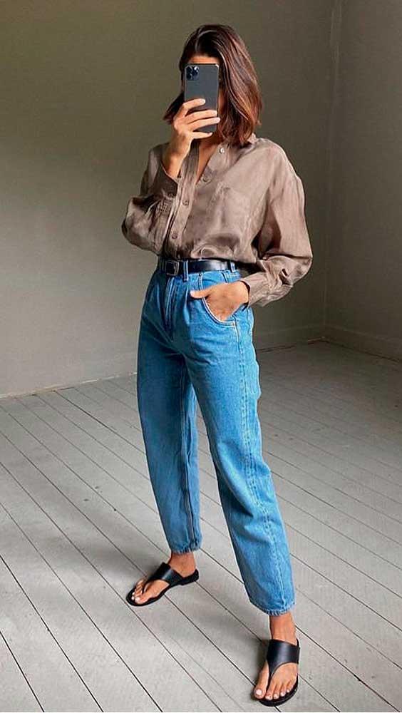 look básico com calça slouchy jeans e rasteirinha