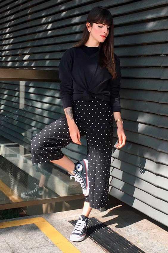 cool no inverno, suéter preto e calça pantacourt