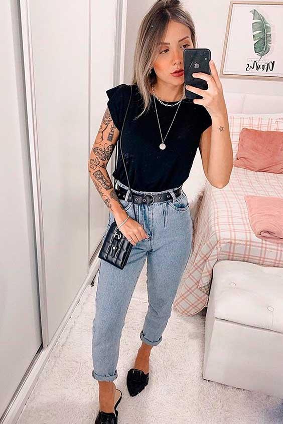 look básico com muscle tee e mom jeans