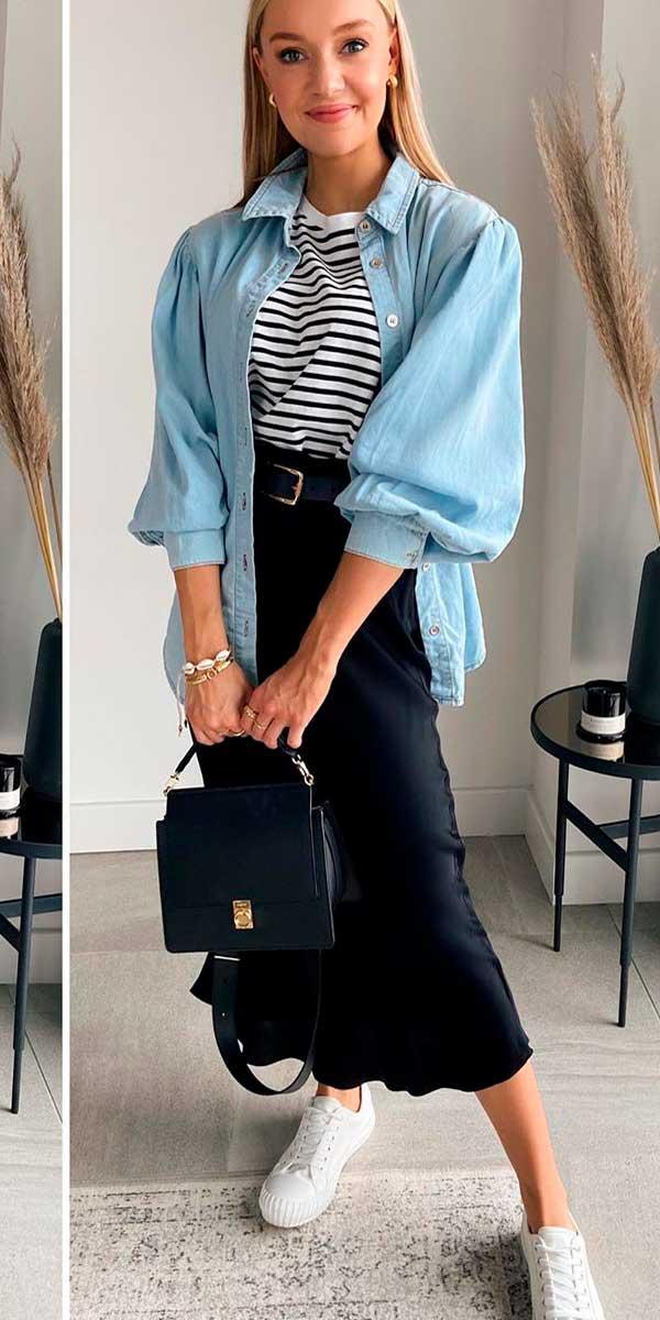 Combos, jaqueta jeans, blusa listrada e saia midi