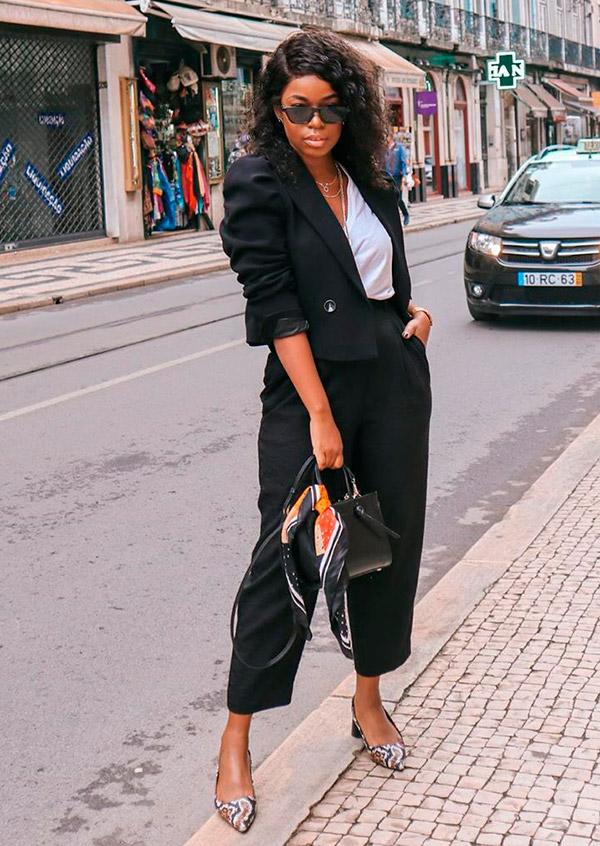 terninho preto com blazer cropped