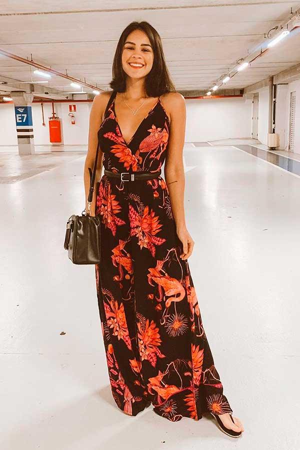 vestido floral longo e rasteirinha