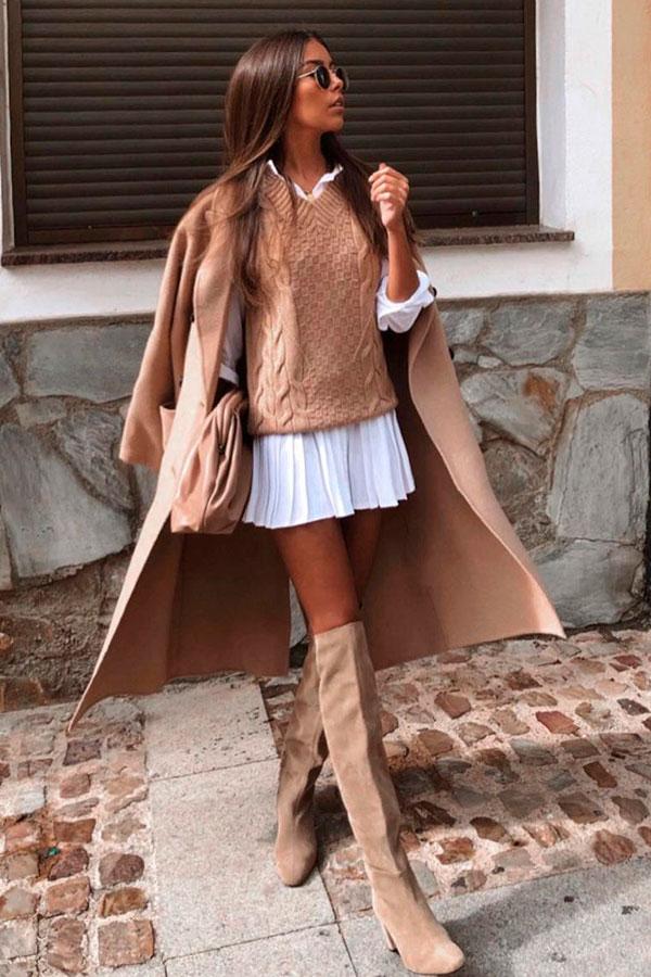 trench coat, sobreposição com camisa e suéter
