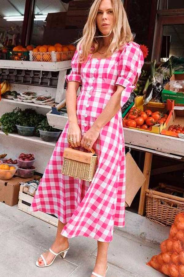 vestido xadrez vichy rosa com mangas bufantes