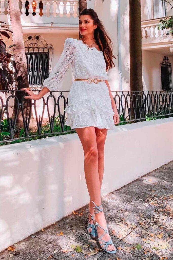 Look de ano novo, vestido de renda branco