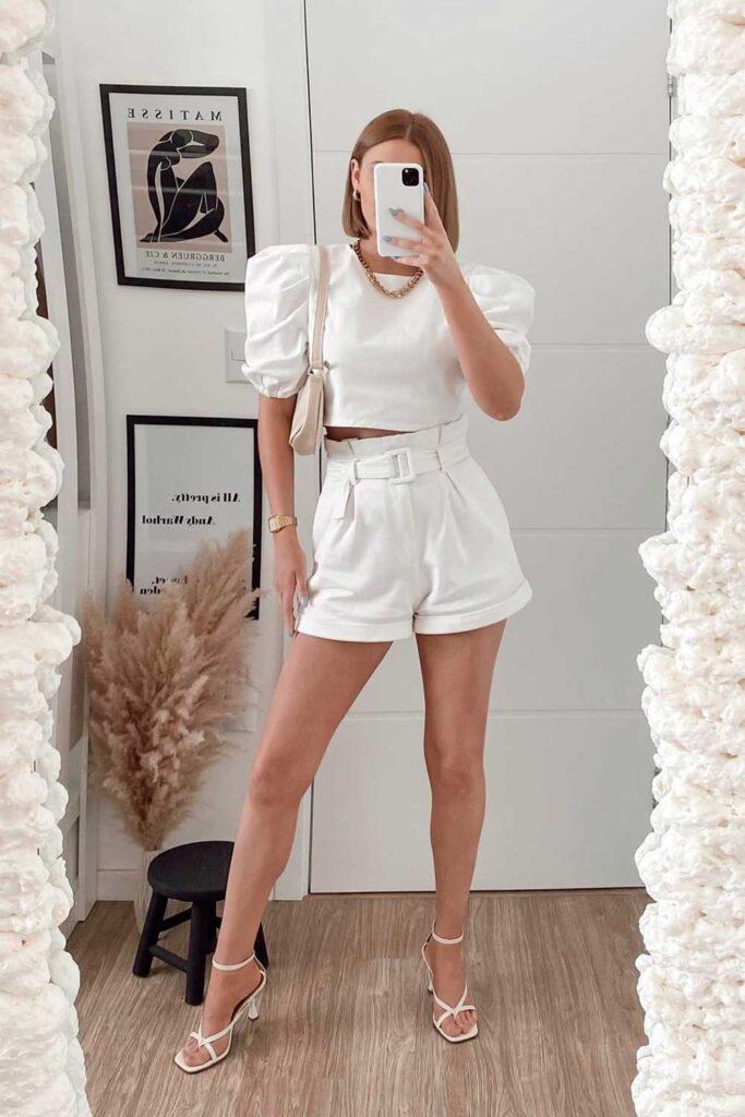 Look de ano novo, conjuntinho total white e sandália de bico quadrado
