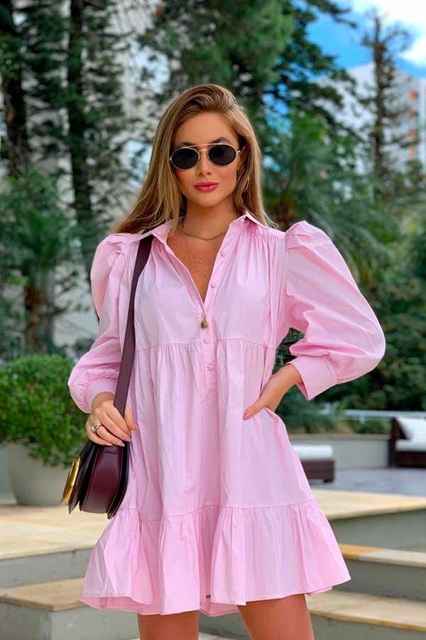 vestido larguinho rosa com mangas bufantes