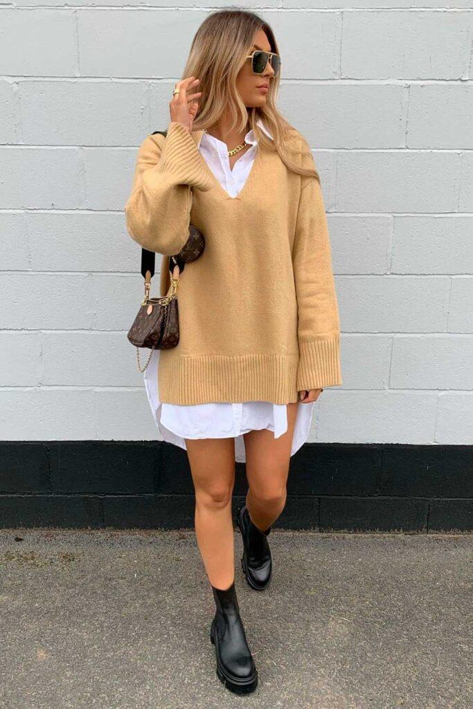 coturno tratorado, sobreposição com camisa branca e suéter oversized