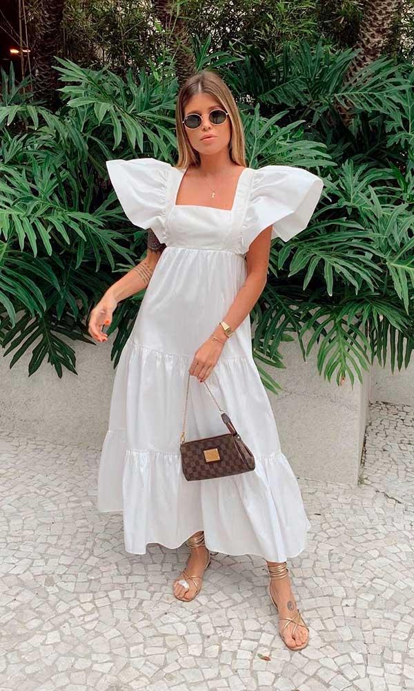 vestido larguinho branco com mangas bufantes