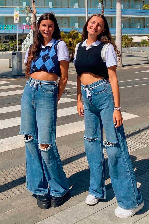 calça jeans destroyed wide leg