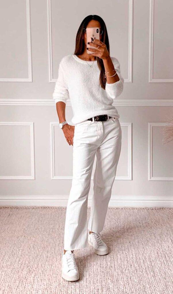 total white, suéter branco, calça e tênis branco