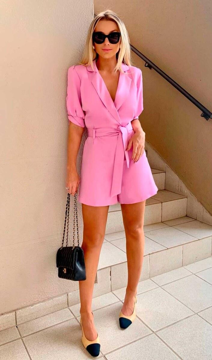 macaquinho rosa e sapato chanel