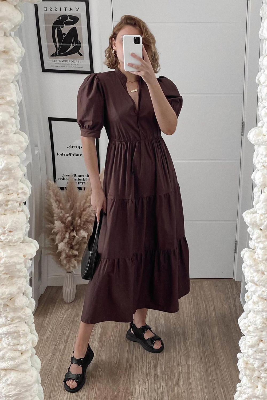 vestido marrom com saia três marias