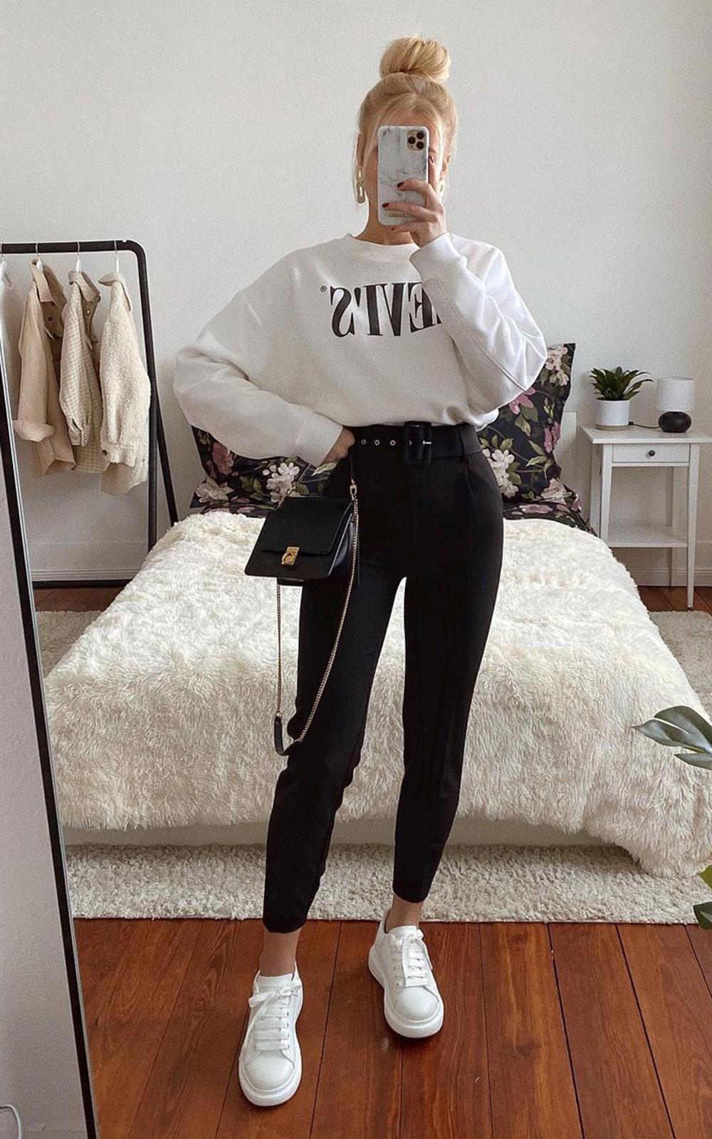 look casual, calça preta, moletom branco e tênis branco