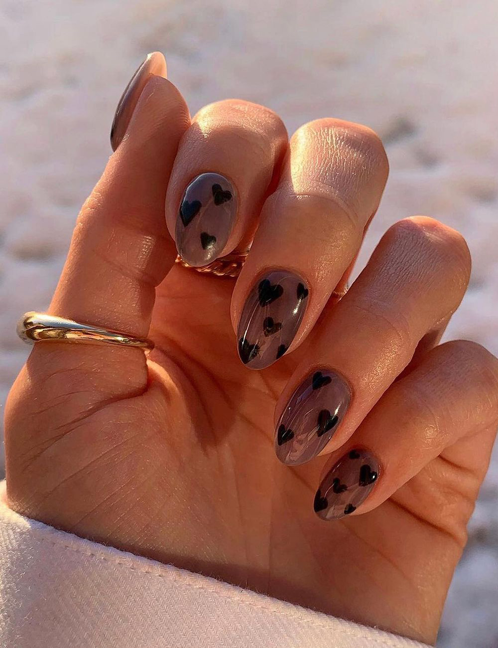 nail art, unhas com desenhos de corações