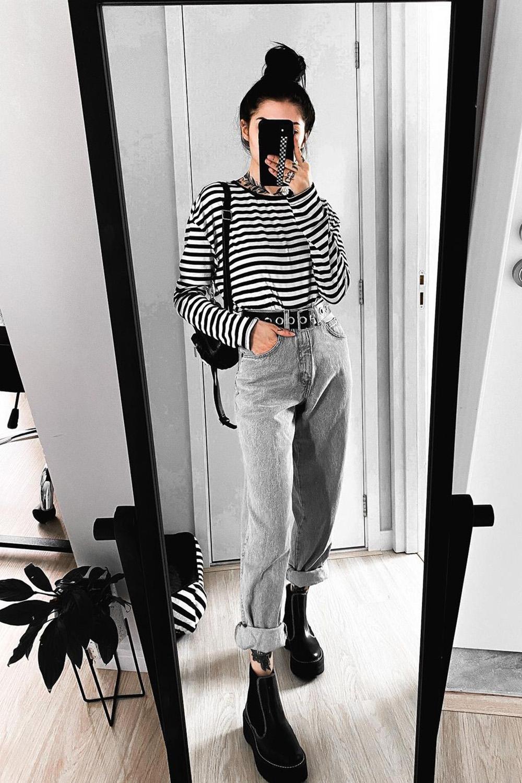 Letícia Vasconcelos, blusa listrada, mom jeans e coturno