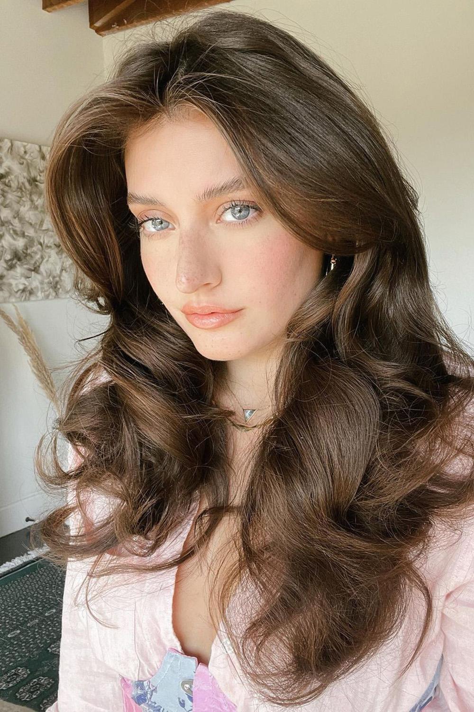 cabelo volumoso ondulado modelado