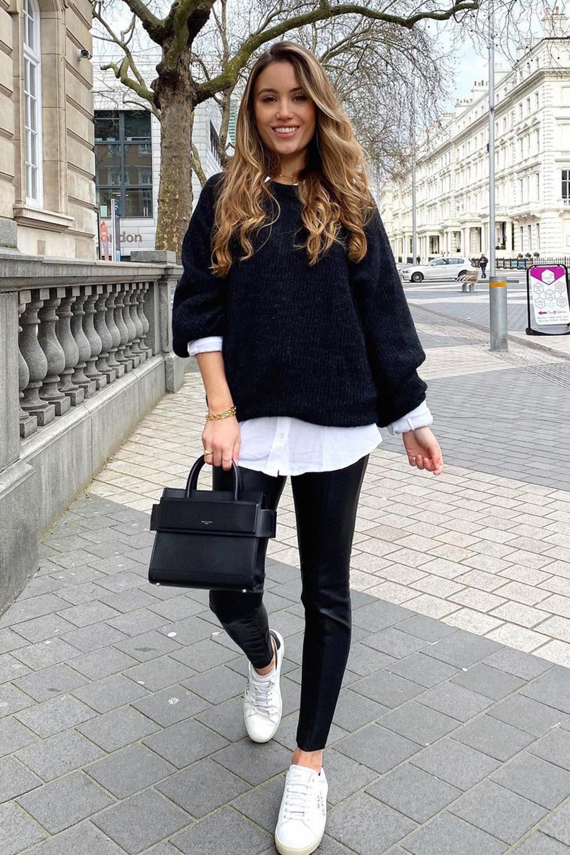 camisa social branca, sobreposição com suéter preto e calça legging