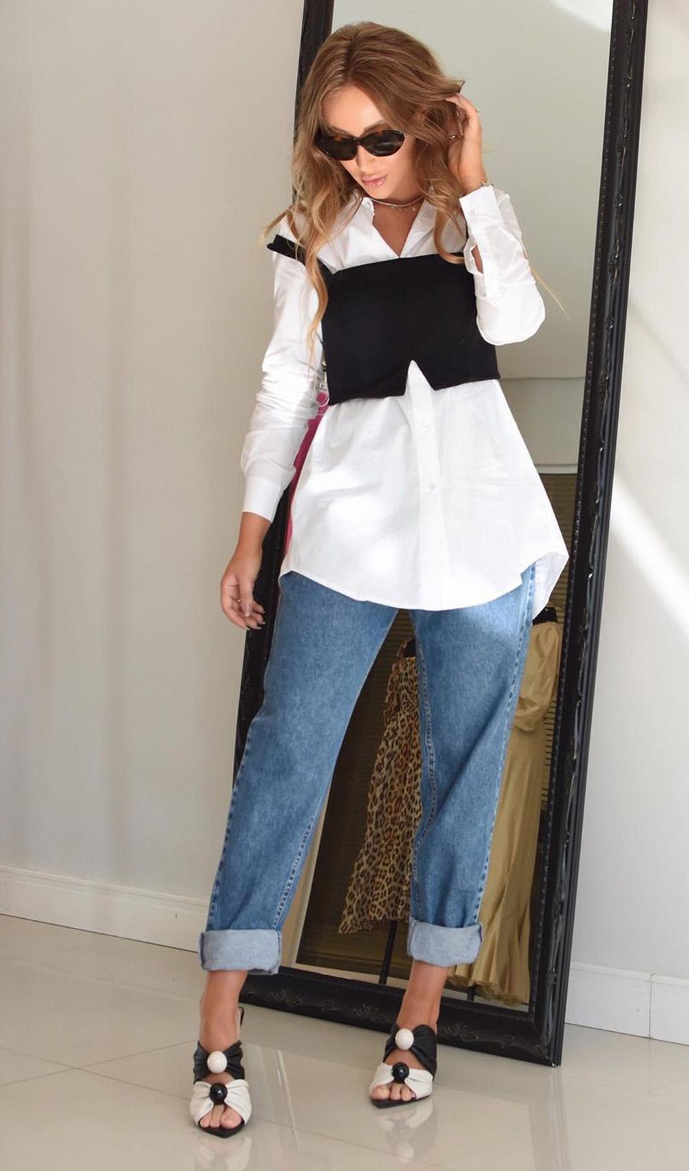 camisa social, sobreposição com corse e calça slouchy