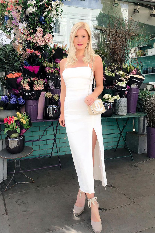vestido midi branco e sandália lace up