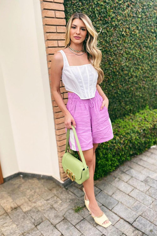 looks românticos, corset branco, bermuda lilás