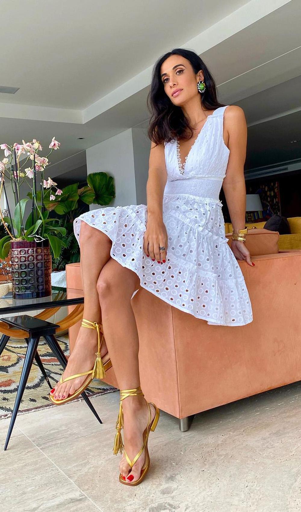 looks românticos, vestido branco rosado de renda
