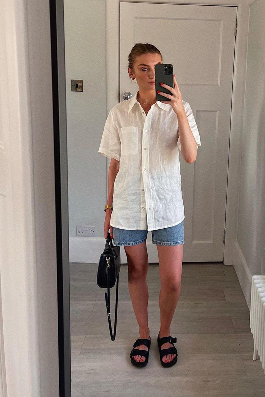 camisa branca, bermuda jeans e papete