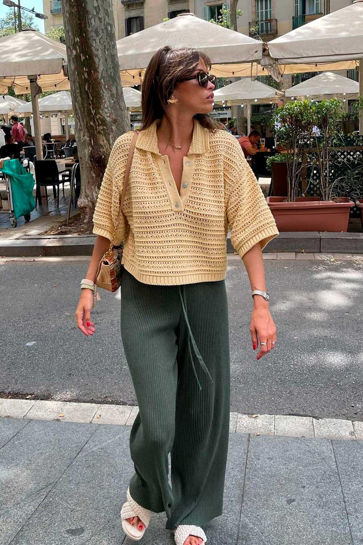 blusa amrela e calça verde militar