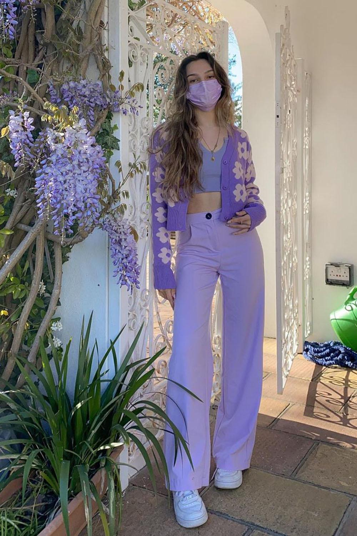 looks coloridos, combo monocromático lilás