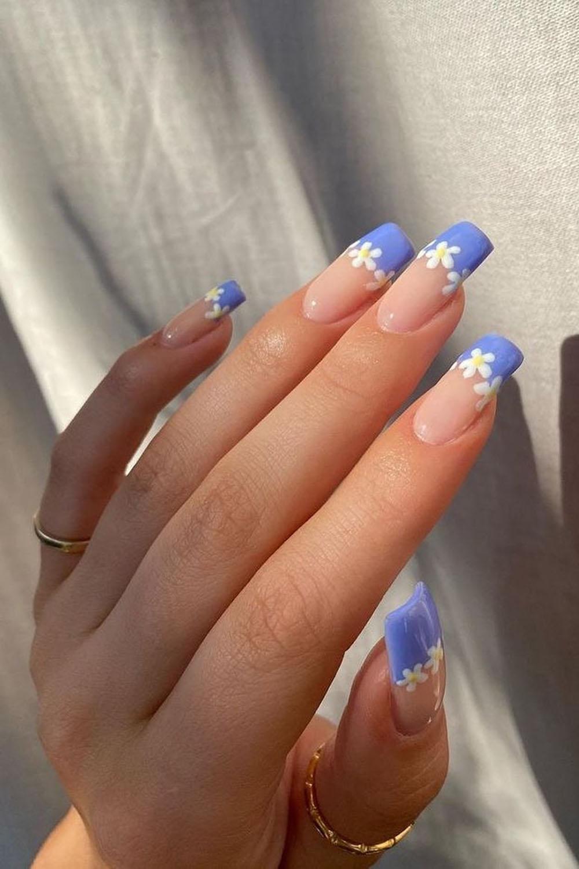 unhas, nail art, azul com flores