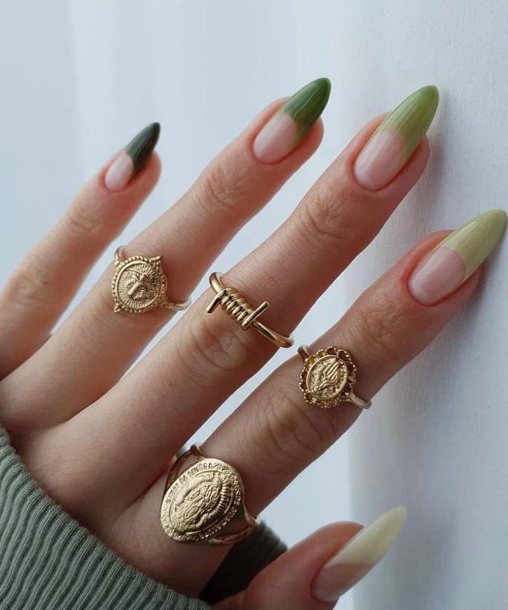 Francesinha colorida verde com anéis