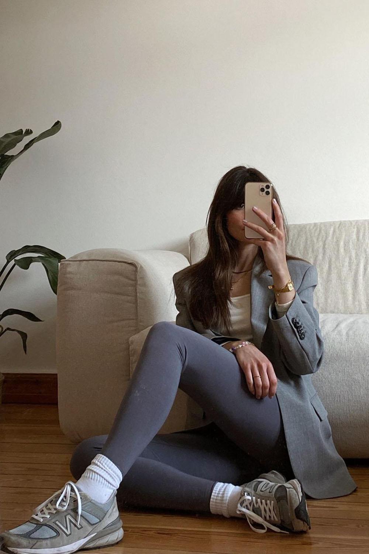 New Balance cinza, calça legging cinza, balzer cinza, meia aparente